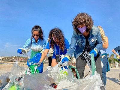 residu zero, recollint les platges